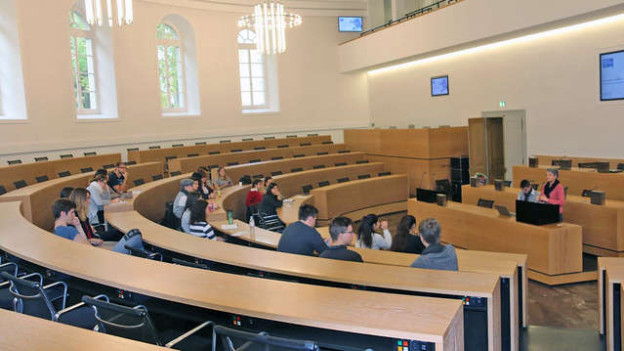 Jugendliche sollen im Kanton Glarus jährlich tagen