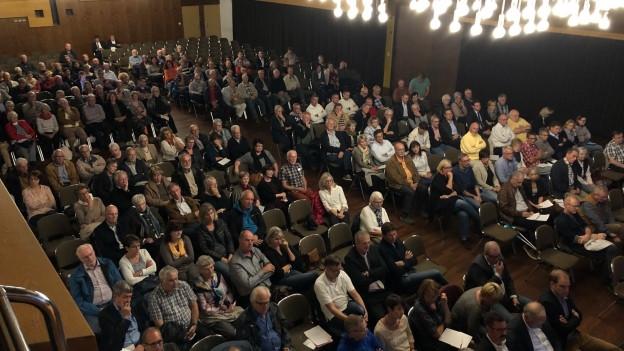 Publikum beim Bevölkerungsgespräch zur Zukunft des Spitals Rorschach