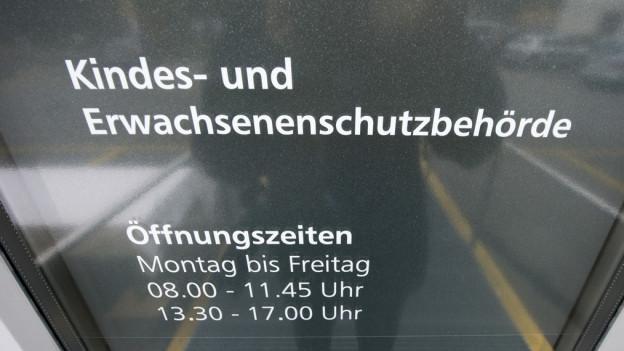 Die Freistellung habe aber keinen Zusammenhang mit der Klage der Stadt gegen die «Obersee-Nachrichten».