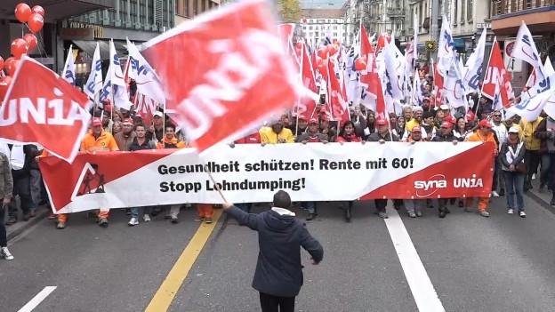 Demonstrationszug von Bauarbeitern