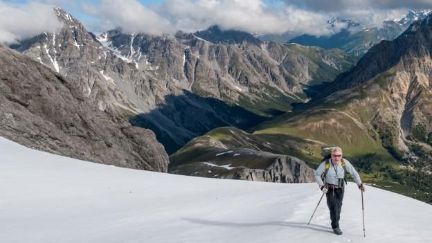 Ruedi Haller beim Wandern