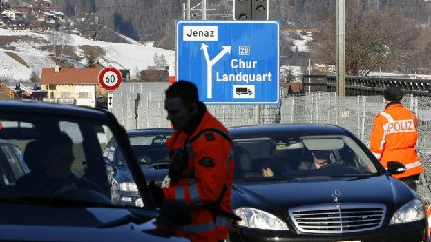 Nobelkarossen belasteten wie alle Jahre die Davoser Bergluft