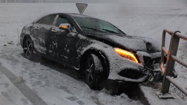 Viel Schnee führt zu Unfällen