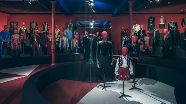 Textilmuseum St. Gallen: Kostüme aus 100 Jahre Circus Knie
