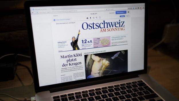 Bildschirm mit Onlineausgabe der Ostschwiez am Sonntag