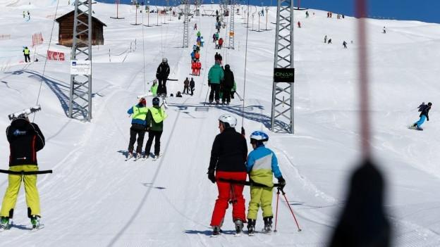Die Bündner Wintersportdestinationen profitierten von Sonnenstunden, Schneeverhältnissen und mehr Freude am Wintersport.