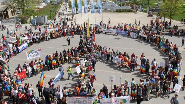 800 Demonstranten am Friedensweg in Kreuzlingen