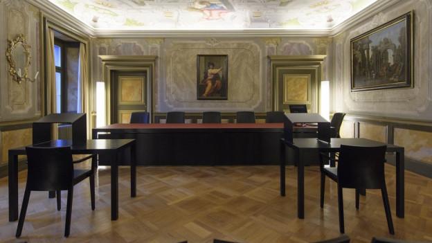 Der Präsident des Bündner Kantonsgerichts steht seit Wochen in der Kritik.