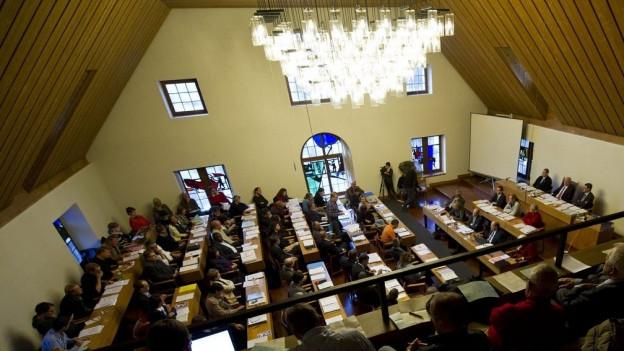 Blick in den Parlamentssaal von der Tribüne aus