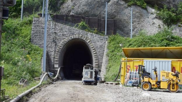 Tunneleinfahrt