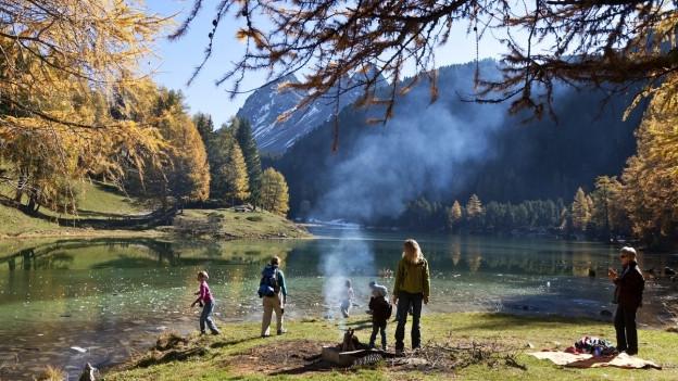 Palpuogna-See: Ein Ranger sorgt für Ordnung.