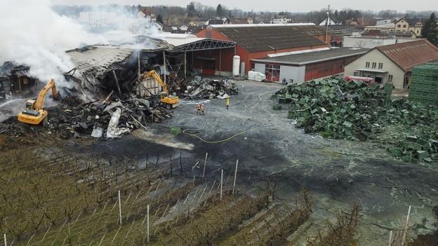 Ob das Grundstück wegen Löschschaum vergiftet wurde, wird untersucht
