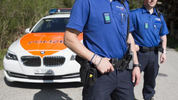 Die Polizei appelliert an die Vernunft der Menschen, Bussen oder Verzeigungen stünden aktuell nicht im Vordergrund.