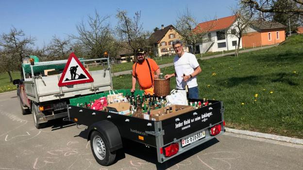 Werkhofmitarbeiter haben die Flaschen eingesammelt.