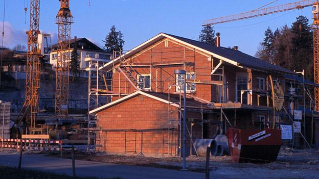 Bei Umbauten soll im Glarnerland weiterhin eine Ausnützungsziffer gelten.