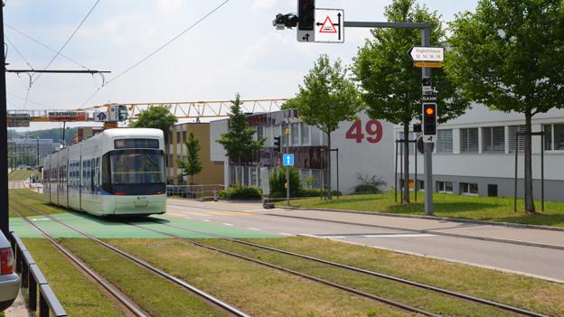 Hellere Trams sollen Unfälle mit Glattalbahn verhindern