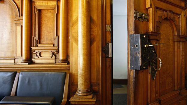 Türen zu: der Gemeinderat segnet das Budget 2013 des Stadtrates mit wenigen Änderungen ab.