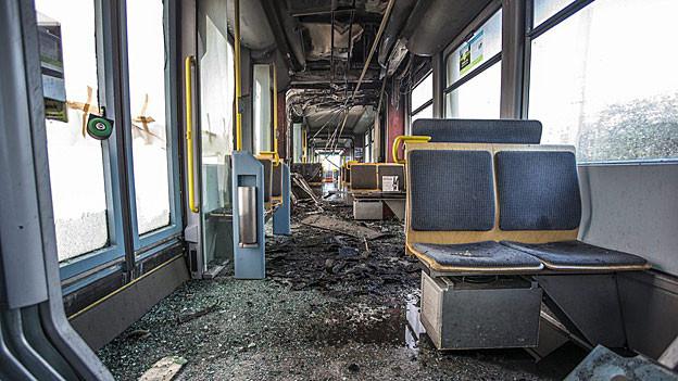 Das zerstörte Cobra-Tram von Innen
