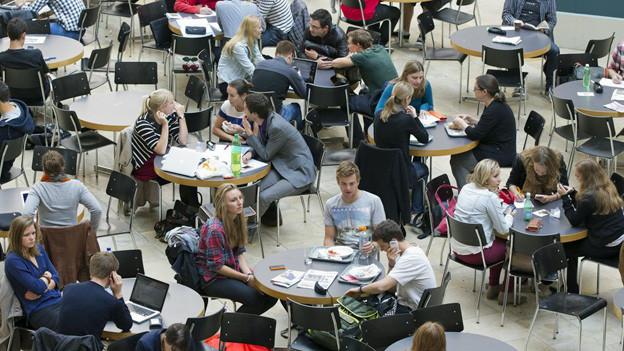 Über 40'000 Studierende haben sich 2012 für ein Phil I Studium eingeschrieben.