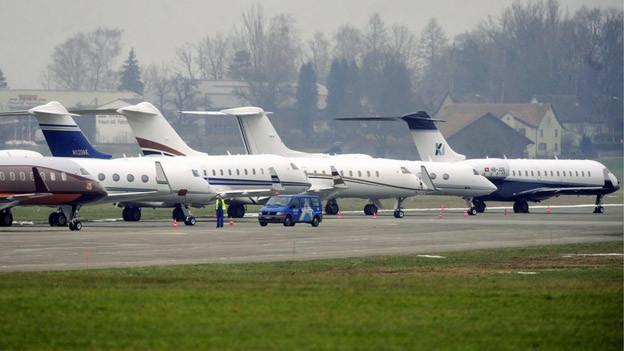 Derzeit kommen sie noch ohne Passagiere: Privatjets auf dem Flughafen Dübendorf.