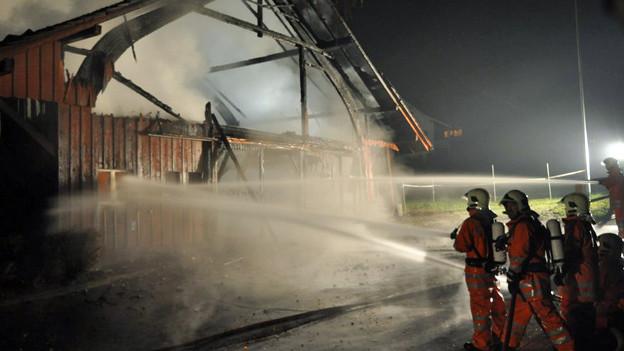 Der Brandstifter und Ex-Feuerwehrmann rückte einige Male auch zu selbst gelegten Bränden aus.
