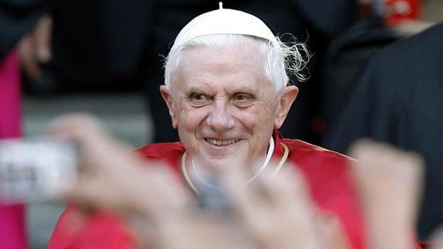 Die meisten Zürcher Katholiken bedauern den Rücktritt des Papstes