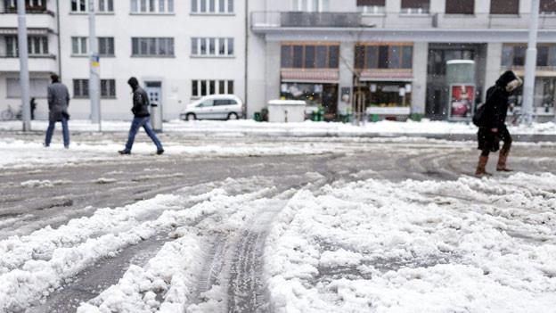 Schnee auf Zürichs Strassen