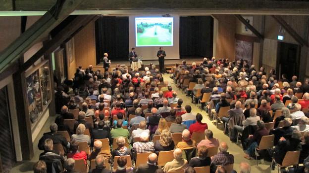 Der Kanton informiert die Bevölkerung in Altrüti.