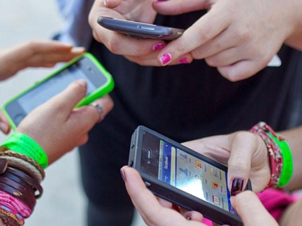 Kinderpornografie auf dem Handy ist strafbar.