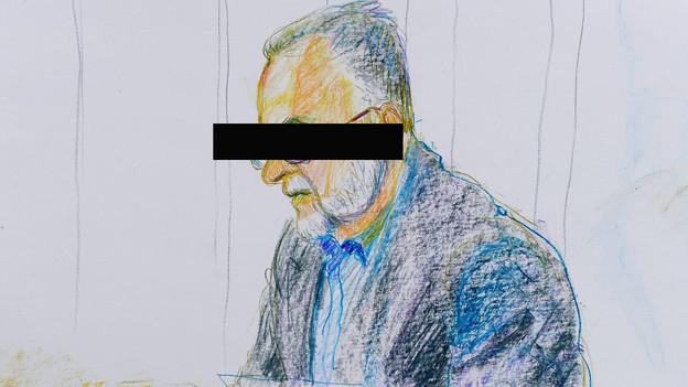 Der Angeklagte beteuert vor den Richtern seine Unschuld.