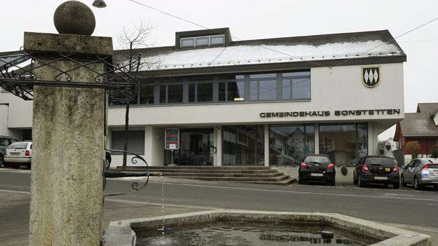 Das Gemeindehaus von Bonstetten
