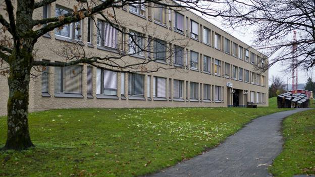 Das Pfäffiker Bezirksgebäude, wo der Mordprozess stattgefunden hat.