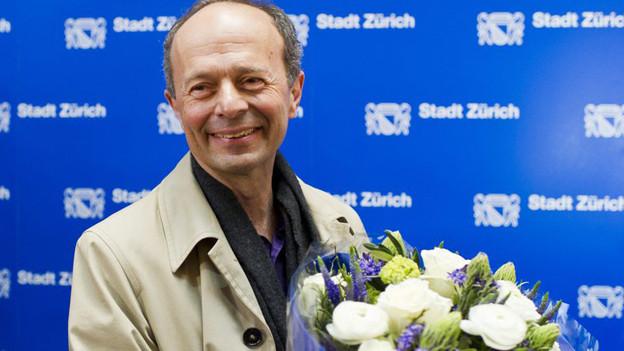 Der strahlende Sieger: AL-Kandidat Richard Wolff gewinnt die Stadtratswahl.