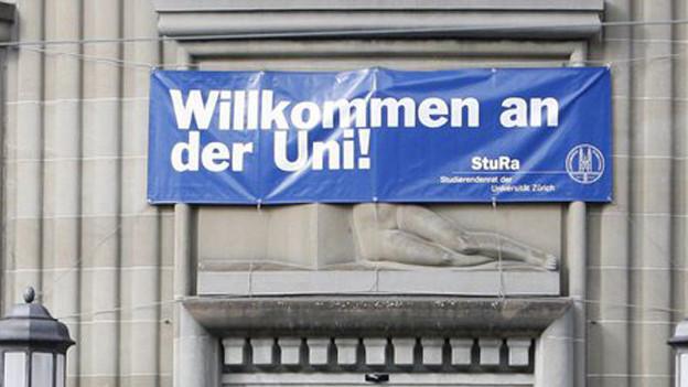 Forschungsschwerpunkte statt Probleme: die Universität Zürich lud zur Jahresmedienkonferenz.