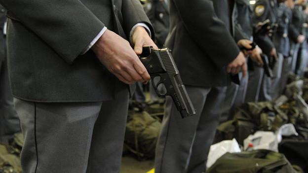 Warum hat sich während des Wachdienstes ein Schuss gelöst?
