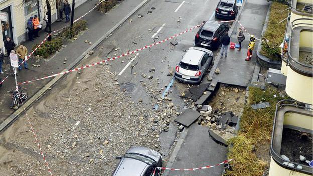 Am 28. März barst eine 119 Jahre alte Wasserleitung an der Üetlibergstrasse in Zürich.