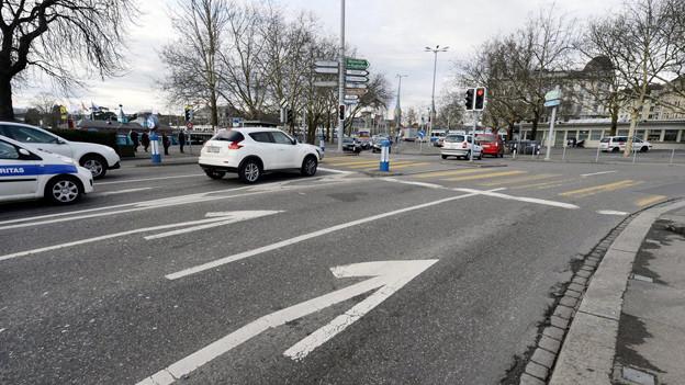 Die Autos sollen wieder mehr Platz erhalten auf Zürcher Strassen.