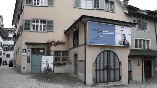 Aus dem Museum wird eine Literaturwerkstatt, die Angestellten verlieren ihren Job.