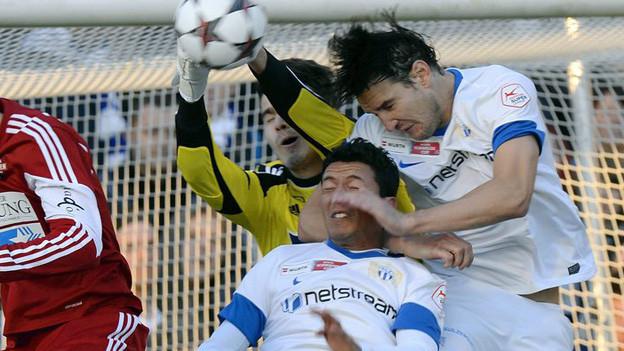 Cup-Fight: FCZler vor Badens Tor.