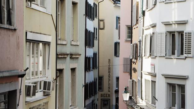 Es gibt sie auch an besten Lagen: Wohnungen der Stadt Zürich, die sich «Normalos» leisten könnten.