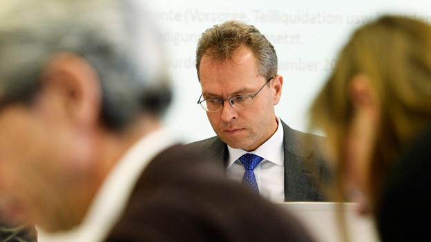 Muss seinen Lohn einmal mehr verteidigen: BVK-CEO Thomas Schönbächler an der Medienkonferenz.