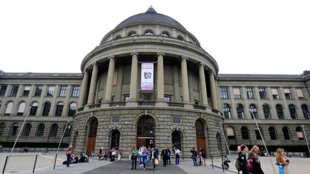 Das ETH-Hauptgebäude in Zürich
