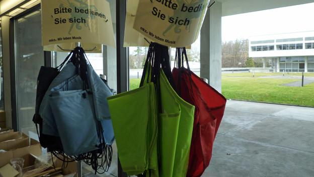Sportsäcke mit dem MKZ-Logo zum mitnehmen