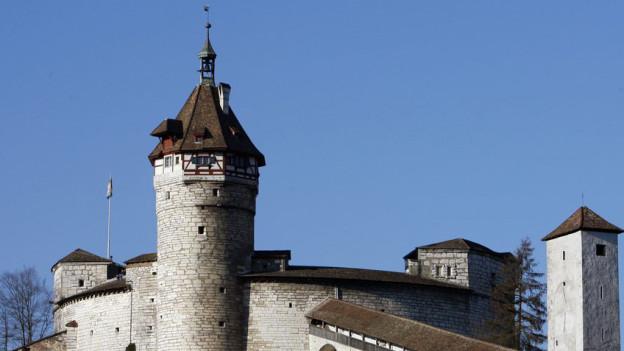 Blick auf die Stadtfestung Munot, das Wahrzeichen von Schaffhausen