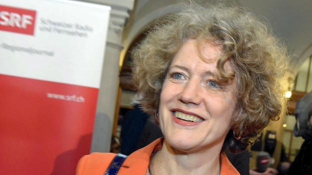 Die Zürcher Stadtpräsidentin Corine Mauch strahlt nach ihrer Wiederwahl. W