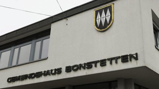 Gemeindehaus Bonstetten von aussen.