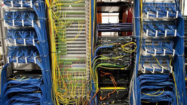 viele Computerkabel