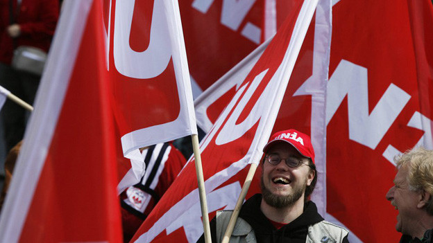Friedliche Demo von Gewerkschaftern.