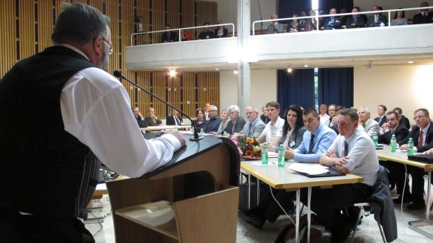 Das frisch gewählte Wetziker Parlament tagt zum ersten Mal im Ratssaal.