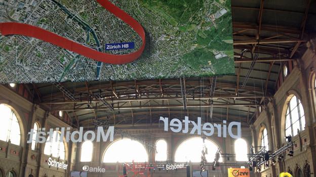 Die Bahnhofshalle ist bereits für den grossen Festakt.